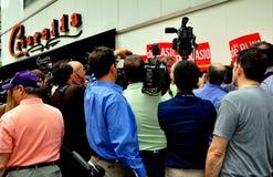 NYC:  Press Frenzy at Bill DeBlasio Campaign Stop Royalty Free Stock Image