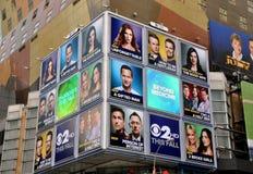 NYC: Quadro de avisos eletrônico na 42nd rua Imagem de Stock Royalty Free
