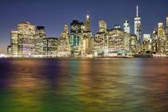 NYC-reflexioner från Dumbo Arkivfoton
