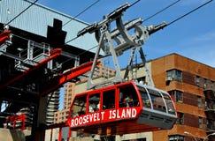 NYC: Roosevelt-Insel-Förderwagen Stockfotos