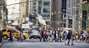 NYC-rusningstid royaltyfria bilder