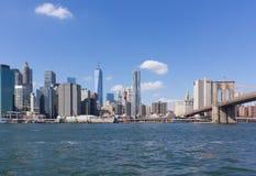 Nyc-Skylinefinanzbezirks-Brooklyn-bdg Lizenzfreie Stockfotos