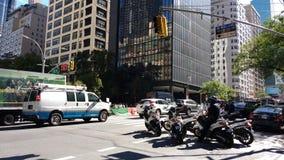 NYC-Stadtmitte-Verkehr, Ostseite Manhattan, NYC, NY, USA Lizenzfreie Stockbilder