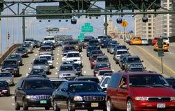 NYC: Starker Verkehr auf Miller-Datenbahn lizenzfreie stockfotos
