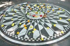 NYC: Stellen Sie sich Mosaik in Central Park vor Stockbilder