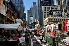 NYC : Times Square et festival de rue Photographie stock
