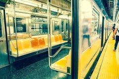 NYC-U-Bahnsitze lizenzfreies stockfoto