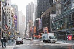 NYC/USA - 29 DEZ 2017 - известный бульвар Нью-Йорка квадратные времена стоковые фото