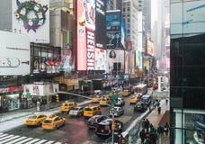 NYC/USA - 29 DEZ 2017 - известный бульвар Нью-Йорка квадратные времена стоковое изображение rf