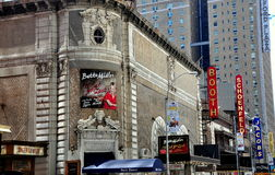 NYC: Västra 45th gataBroadway teatrar Arkivbild
