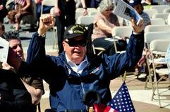 NYC: Veteran des Zweiten Weltkrieges an den Volkstrauertag-Zeremonien stockbilder