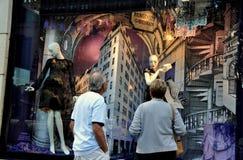 NYC : Viseur de Bergdorf-Bon homme photo libre de droits