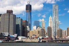 NYC w centrum Linia horyzontu Fotografia Royalty Free