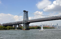 NYC: Williamsburg  Bridge over East River Stock Photos