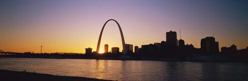 Nyckelbåge och St Louis Arkivfoto