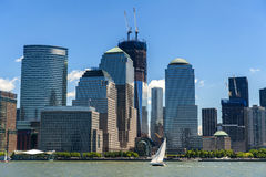 NYCS World Trade Center och Brookfield ställeskyskrapor som ser Royaltyfria Bilder
