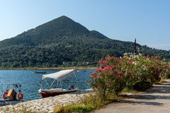 NYDRI, LEFKADA, GRIEKENLAND 17 JULI: Haven bij Nydri-Baai, Lefkada, Griekenland Stock Afbeeldingen