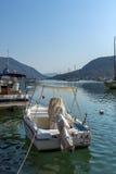 NYDRI, LEUCADE, GRÈCE 17 JUILLET : Port à la baie de Nydri, Leucade, Grèce Photographie stock