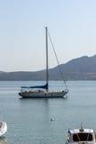 NYDRI, LEUCADE, GRECIA 17 LUGLIO: Porto alla baia di Nydri, Leucade, Grecia Immagine Stock
