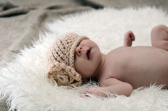 Nyfödd babygirl Arkivfoto