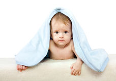 nyfödd isolerad unge Arkivbild