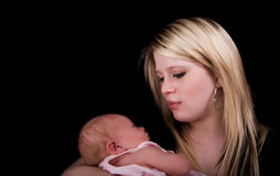 nyfödd moder royaltyfri foto