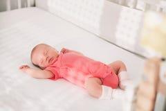 Nyfött behandla som ett barn första dagar av liv Royaltyfria Bilder