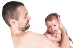 Nyfött behandla som ett barn med farsan Arkivbild