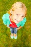 nyfiken flicka little Royaltyfria Bilder