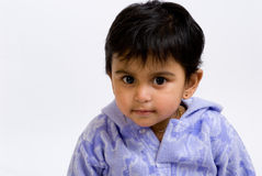 nyfiken indisk litet barn Arkivbild