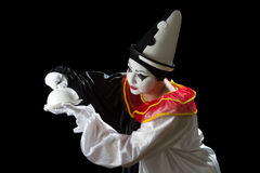 Nyfikna Pierrot royaltyfria foton