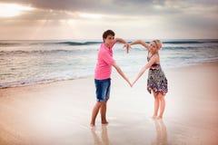 Nygift personbarnpar Fotografering för Bildbyråer