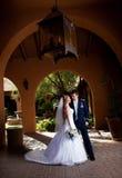 Nygift personpar Royaltyfri Foto