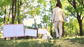 nygift personpark lager videofilmer
