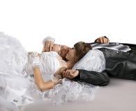 Nygifta personer Arkivfoton
