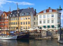 Nyhavn运河新的港口在哥本哈根 库存照片