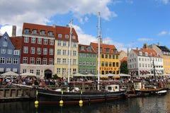 Nyhavn,街道场面在哥本哈根丹麦 免版税图库摄影