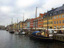 Nyhavn η προκυμαία στην Κοπεγχάγη, Δανία Στοκ Εικόνες