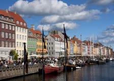 Nyhavn в Копенгагене на солнечном после полудня Стоковые Изображения