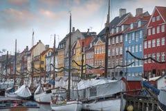 Nyhavn is de oude haven van Kopenhagen royalty-vrije stock afbeelding