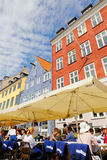 Nyhavn di sedili all'aperto Immagini Stock