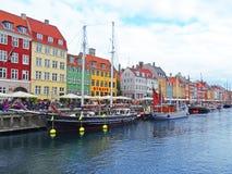 Nyhavn ist der alte Hafen Lizenzfreie Stockfotografie