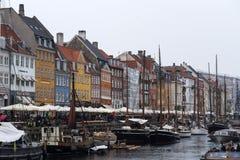 Nyhavn kanał i łodzie copenahagen Fotografia Stock