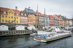 Nyhavn Nowy schronienie Popularny teren Kopenhaga Dani zdjęcia royalty free