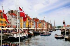 Nyhavn, nuevo puerto, Copenhague, Dinamarca Foto de archivo libre de regalías