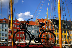 Nyhavn (nuevo puerto) en Copenhague fotos de archivo