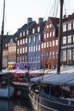 Nyhavn o nuevo puerto, Copenhague, Dinamarca fotografía de archivo