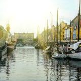 Nyhavn område i Köpenhamn Arkivfoton