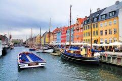 Nyhavn (porto novo), Copenhaga imagens de stock