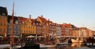 Nyhavn przy półmrokiem Obrazy Stock